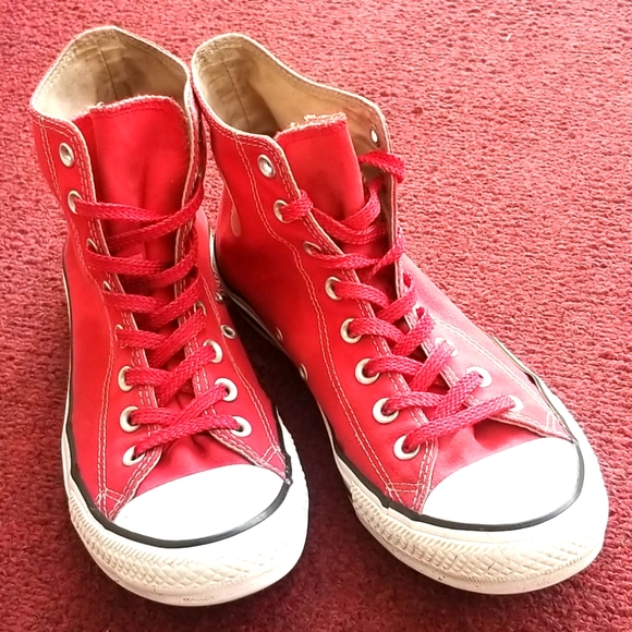 Red Converse size 9